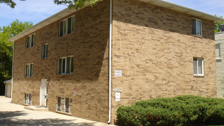 Apartments for Rent, 602 East State Street, Mason City, Iowa