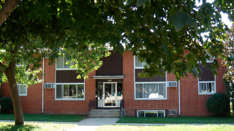 Apartments for Rent, 407 Fifth Street NW, Mason City, Iowa