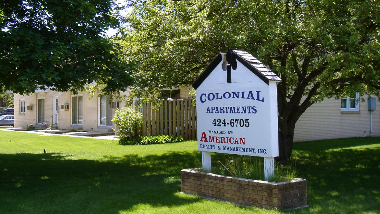 Apartments for Rent, Colonial Apartments, 407 - 409 South Kentucky Ave, Mason City, Iowa