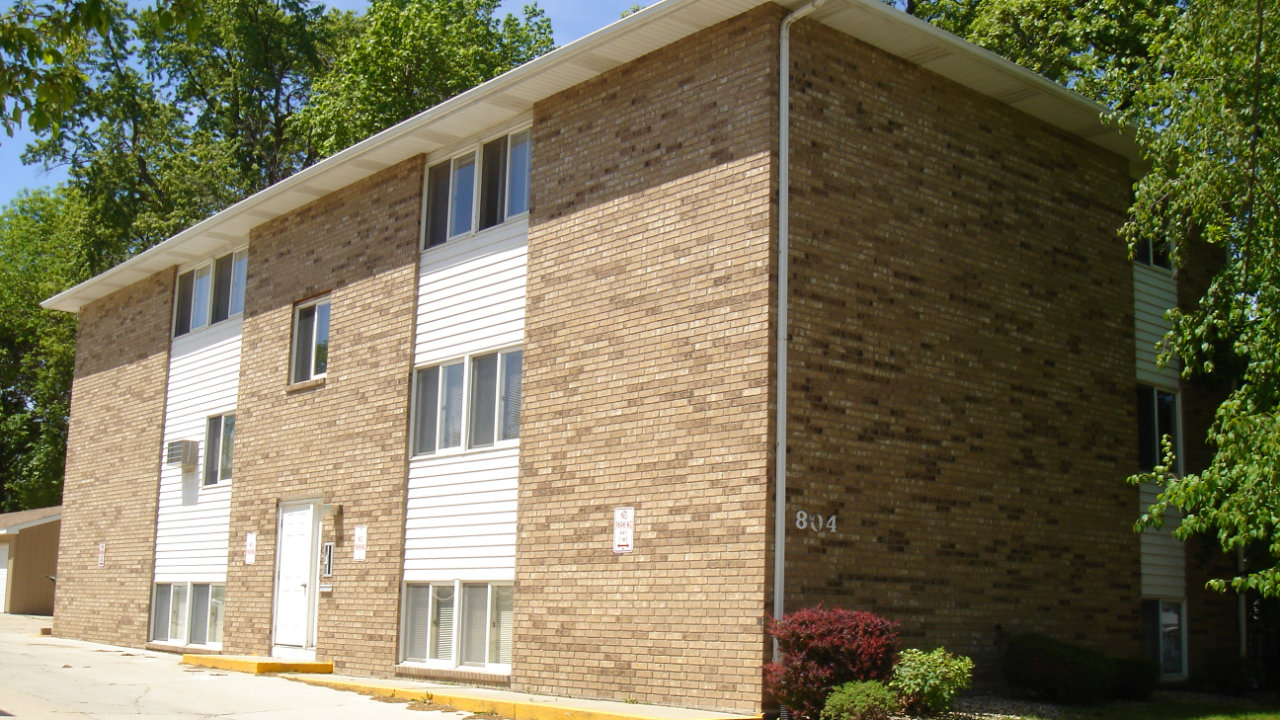 Iowa Realty Building Apartments