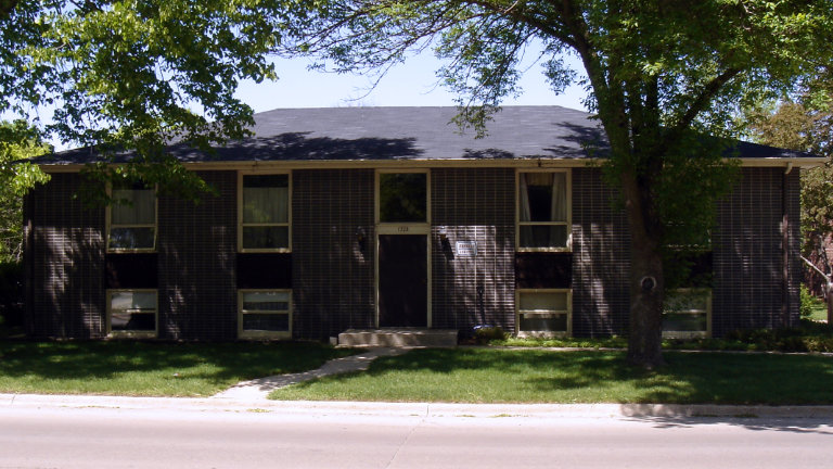Apartments for Rent, 1328 First Street NW, Mason City, Iowa
